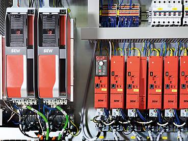 MOVIDRIVE® application inverters in the control panel