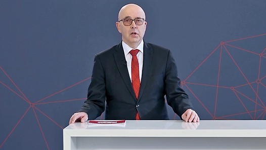 Johann Soder, COO, opens the all-day livestreaming event