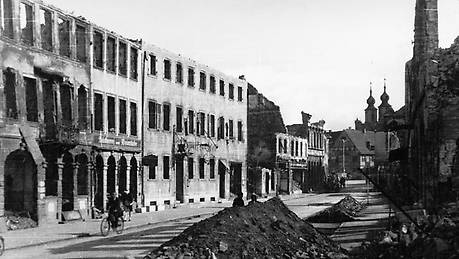 Intact SEW building after the March 1945 bombing